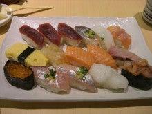 東京でプチスローライフ-私の大盛り握り寿司