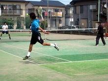 いつだってテニス成長期!!-バックも打つぞー。