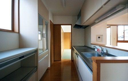 徳島県で家を建てるならサーロジック-台所からすぐ和室へ