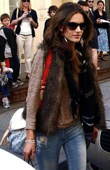 海外セレブ最新画像・ファッションブログ DailyCelebrityDiary*#02-アレッサンドラ・アンブロジオ