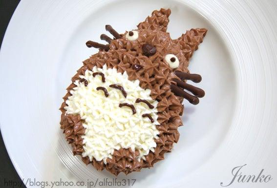 簡単・トトロのキャラクターケーキ・レシピ ちょっとの工夫でかわいいケーキ