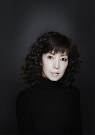 シンプルで写真が映える戸田恵子