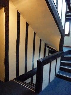 みいりん。-アパルトマン 階段