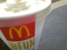 街中広告 マクドナルド 無料コーヒー
