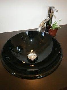 徳島県で家を建てるならサーロジック-ガラス洗面ボウル 黒