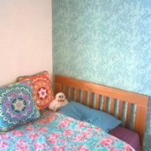 ベッドルームの壁