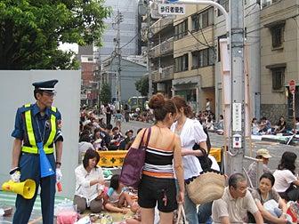 浅草界隈休日の昼ごはん-江戸通りバンダイ横