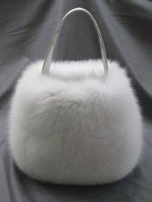 大木毛皮店工場長の毛皮修理リフォーム-フォックスのオーダーバッグ