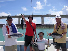 沖縄から遊漁船「アユナ丸」-釣果(22.07.13)
