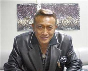 """山岡キャスバルの""""偽オフィシャルブログ""""「サイド4の振興(旧名:侵攻)」-清水健太郎"""