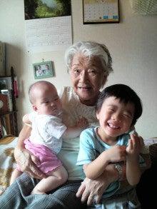 ある教会の牧師室-祖母
