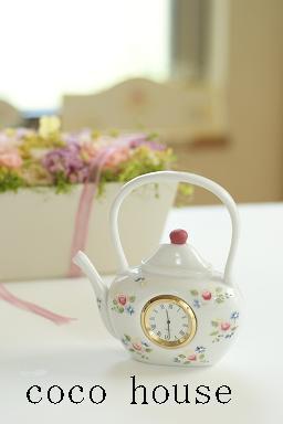 自宅サロンでトールペイントとカルトナージュ-バラの時計