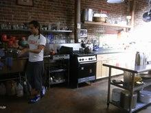ローフード&マクロビオティックで美味しい生活♪-セントラルキッチンダイニング.jpg