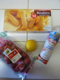 A table!-charlotte aux fraises1