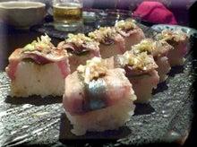 札幌にある不動産会社の経営企画室 カチョーのニチジョー-秋刀魚棒寿司