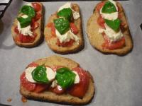 A table!-tartine tomate&mozzarella2