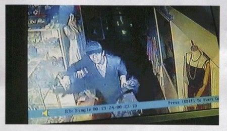 全国指名手配24時 -ブログ大捜査線--貴金属2千万円相当盗難、防犯カメラに不審男
