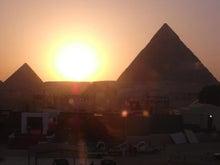 こうの日記-ピラミッドと夕日