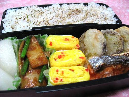 韓国料理サランヘヨ♪ I Love Korean Food-おでんとにんにくの芽の炒め物