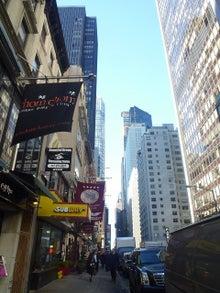 0円で日本全国横断!素人女子大生の突撃インタビュー旅★-NYの高層ビル群