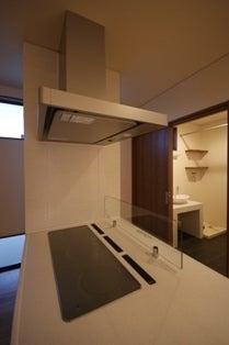 徳島県で家を建てるならサーロジック-3口IHヒーター