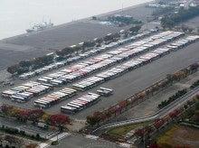 ウッドデッキよもやま話-10バス駐車場