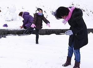 りえのささやかな日常-雪合戦