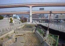 $ユーヤエメリヤーエンコのブログ-震災当時の状態が保存されている神戸港