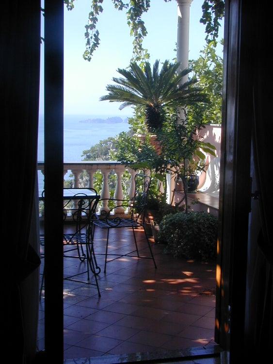 【彼女の恋した南イタリア】 ~ diario-ポジターノVillaGabrisa テラスの眺め