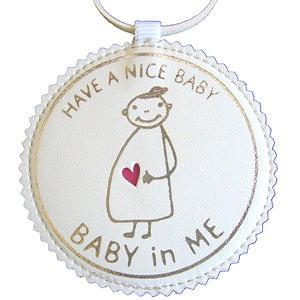 マタニティママと赤ちゃんの大事な時期をオシャレにメッセージ♪マタニティのシンボルマークBABY in ME公式ブログ-バッグチャーム白