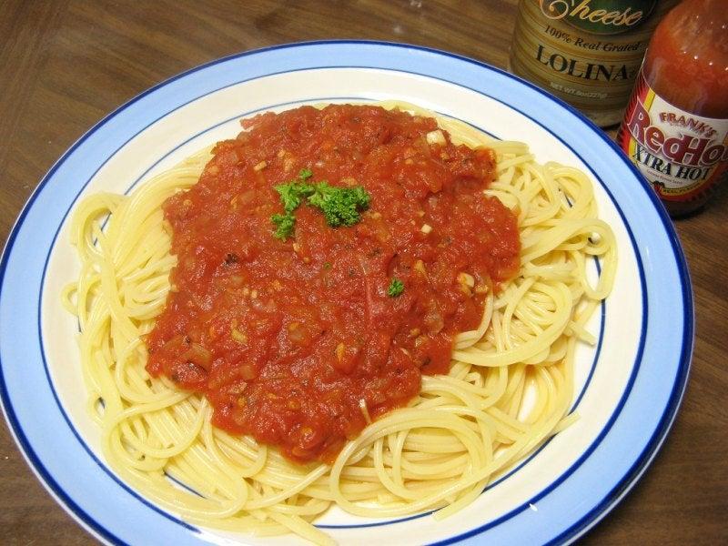 宅ひとりごはん-2/2 昼 トマトソースのパスタ
