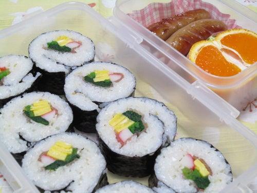 韓国料理サランヘヨ♪ I Love Korean Food-生ハム入り韓国のり巻き(キムパプ)