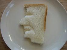 ササブログ-食パン角刈りの人