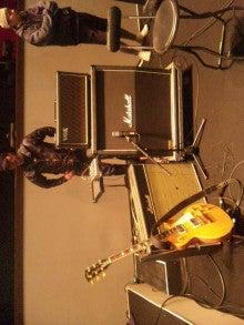 内田敏夫のギターでドン!-110219_183539.jpg