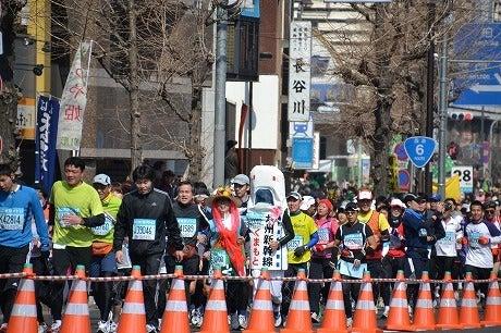 東京マラソン2011 ~九州新幹線の着ぐるみランナー~