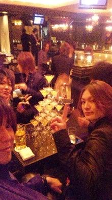 TOPDANDY-1st-藤崎 『今夜もシャンパンの雨に打たれて眠りたい。』-110225_213745.jpg