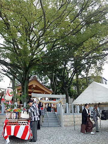 The answer is blowin' in the wind.-直会神社