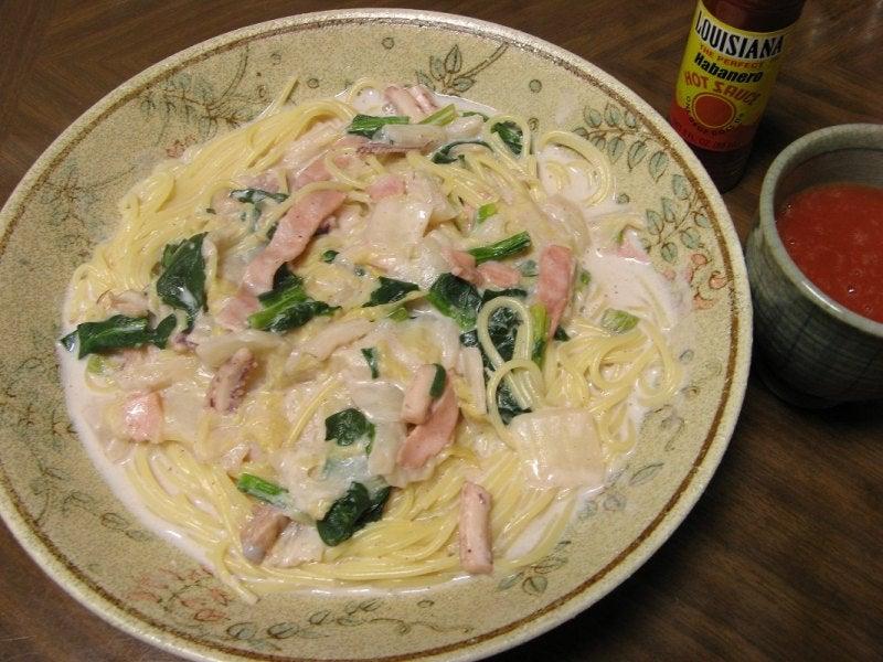 宅ひとりごはん-2/24 昼 白菜とイカのクリームパスタ