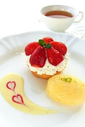 ミュージアムレストラン花の妖精blog-苺のタルトレット 1