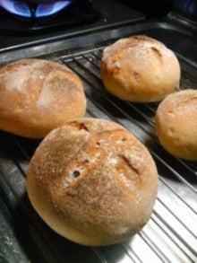 高田食堂のブログ-くるみパンなど