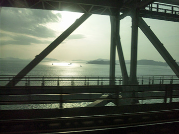 The answer is blowin' in the wind.-瀬戸大橋