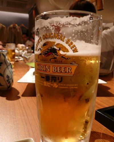 椿の『B級ご当地グルメ保存委員会』-ビールで乾杯