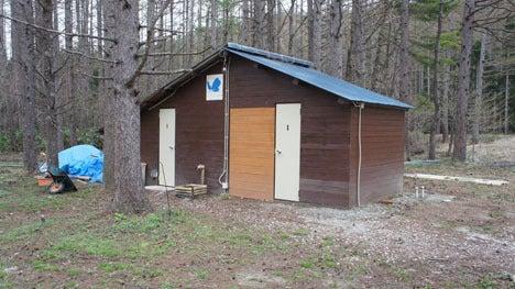 初めてのオートキャンプ!子供と一緒にキャンプに行こう!-トイレ小屋