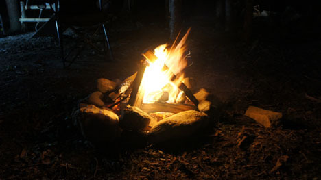 初めてのオートキャンプ!子供と一緒にキャンプに行こう!-直火の焚き火