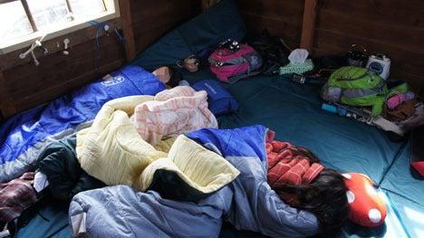 初めてのオートキャンプ!子供と一緒にキャンプに行こう!-ツリーハウスの中で