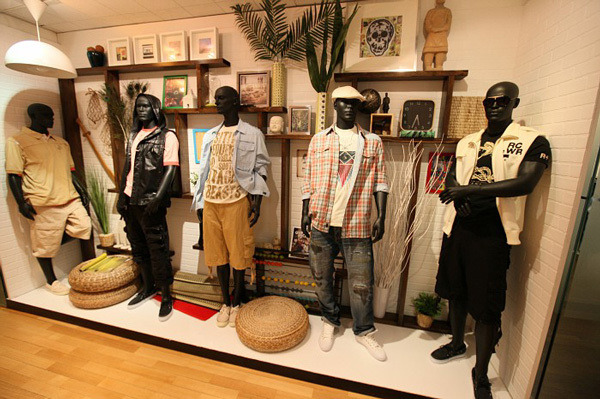 $HIPHOP-TOWN'S BLOG-SHOWROOM3