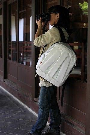 マンフロットのバックパックを持って撮影旅行するワタシ