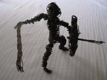 歩き人ふみの徒歩世界旅行 日本・台湾編-盾を持つ戦士
