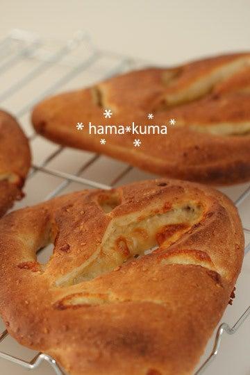 $横浜パン教室準備中~今日は美味しいパン日和~-白胡麻とチーズのフガス