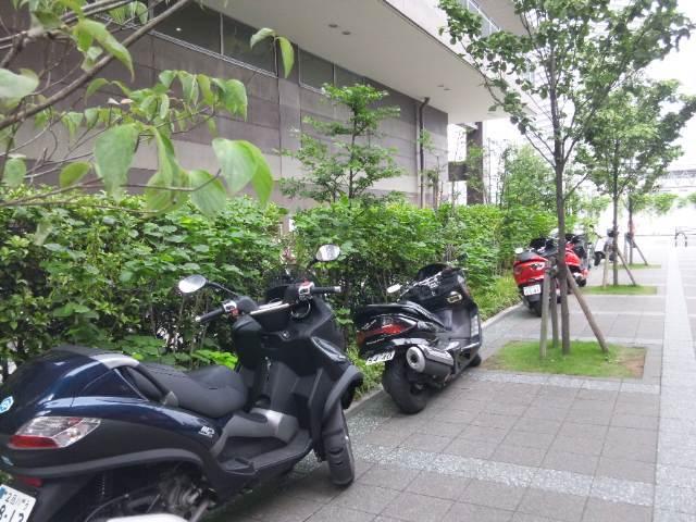 バイク駐輪場|みしかかっ